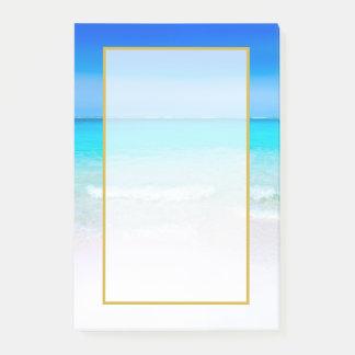 Bloco De Notas Praia tropical cénico com um mar de turquesa
