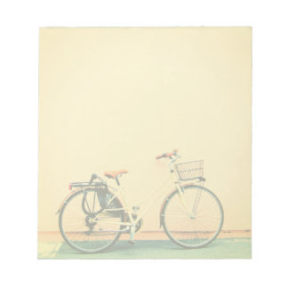 Bloco De Notas Roda amarela da bicicleta dois da cesta da