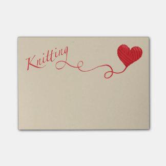 Bloco Post-it Confecção de malhas com fio do coração no vermelho
