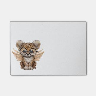 Bloco Post-it Fada bonito de Cub do leopardo que veste vidros