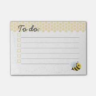 Bloco Post-it Favo de mel amarelo bonito da abelha do mel do vôo