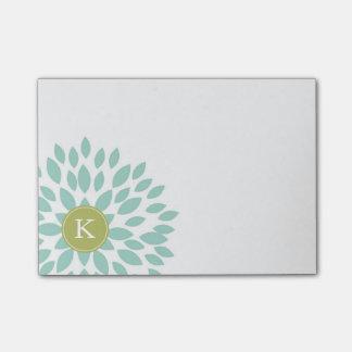 Bloco Post-it Flor de florescência da cerceta com inicial verde