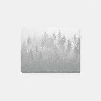 Bloco Post-it Foto enevoada da floresta