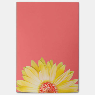 Bloco Post-it Margarida amarela do Gerbera no rosa