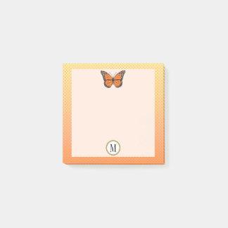 Bloco Post-it Monograma alaranjado da borboleta de Ombre & de