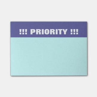Bloco Post-it Notas de post-it da prioridade