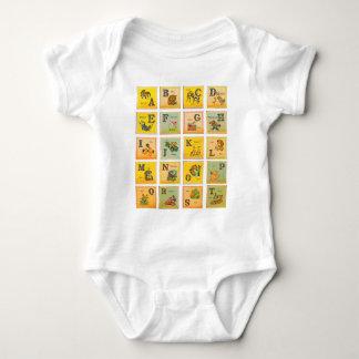Blocos do alfabeto do vintage t-shirts
