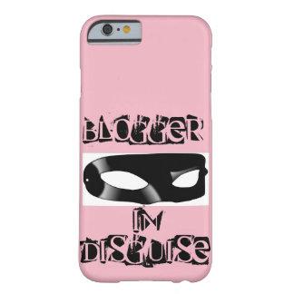 Blogger em umas capas de iphone do disfarce