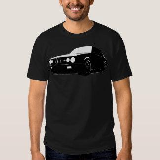 BMW E28 M5, preto no preto Camiseta