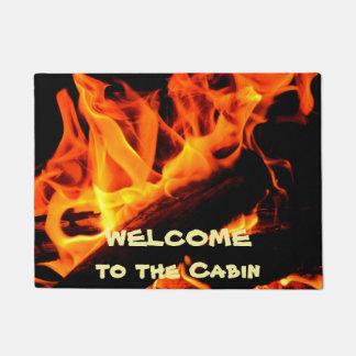 Boa vinda ao Doormat do fogo de registro da cabine Tapete