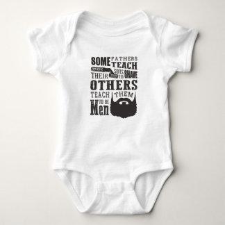 Body Para Bebê A barba, algum pai ensina para barbear outro para