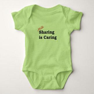 Body Para Bebê A partilha do leite está importando-se com escrita