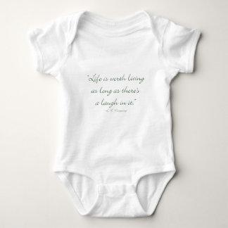 Body Para Bebê A vida vale a vida contanto que houver um riso.
