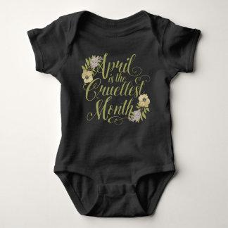 Body Para Bebê Abril é o mês o mais cruel