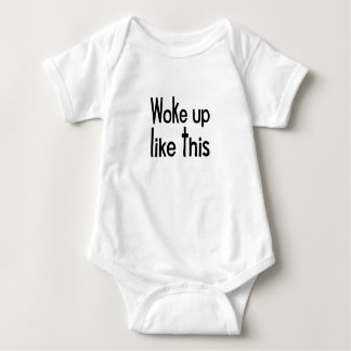 Body Para Bebê acordou