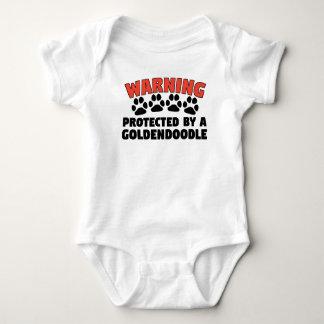 Body Para Bebê Advertência protegida por um Goldendoodle