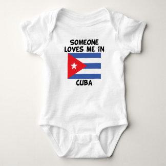 Body Para Bebê Alguém em Cuba ama-me