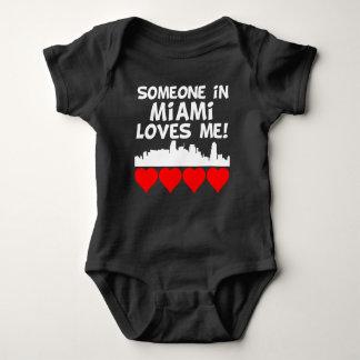 Body Para Bebê Alguém em Miami Florida ama-me