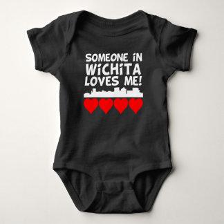 Body Para Bebê Alguém em Wichita Kansas ama-me