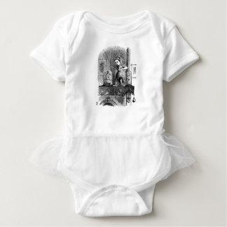Body Para Bebê Alice em um espelho