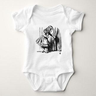 Body Para Bebê Alice encontra uma porta