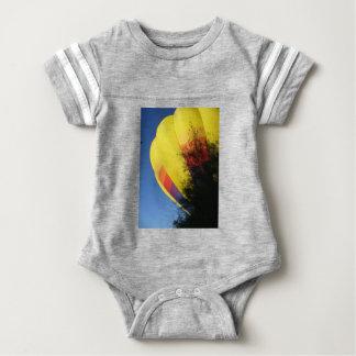 Body Para Bebê Amarelo com crista