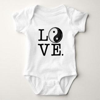 Body Para Bebê Amor no símbolo brilhante de Yin Yang do