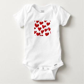 Body Para Bebê Amor vermelho pintado teste padrão do coração da