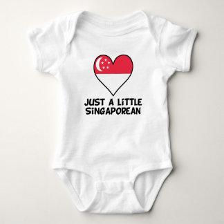 Body Para Bebê Apenas um singapurense pequeno