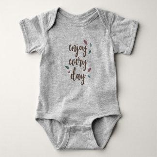 Body Para Bebê Aprecie cada bodysuit do bebê da pena do dia