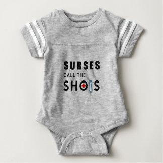 Body Para Bebê As enfermeiras chamam os tiros