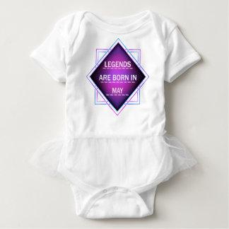 Body Para Bebê As legendas são nascidas em maio