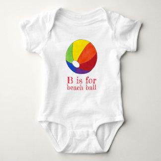 Body Para Bebê B realiza-se para férias de Beachball do arco-íris