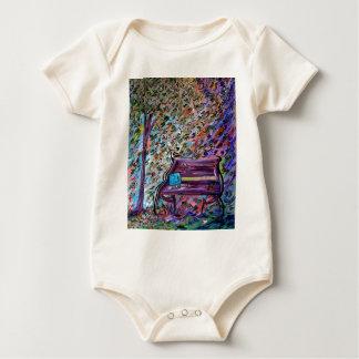 Body Para Bebê Banco em um dia ventoso