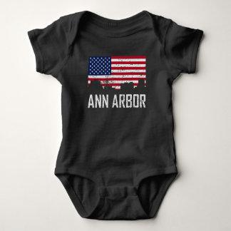 Body Para Bebê Bandeira americana Distresse da skyline de Ann