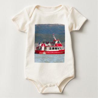 Body Para Bebê Barco no cinza de Lago, Patagonia, o Chile