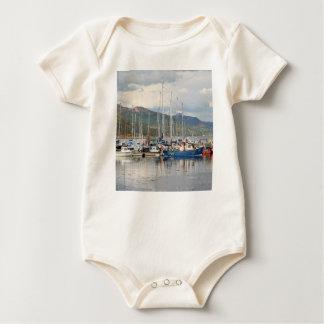 Body Para Bebê Barcos em Kyleakin, ilha de Skye, Scotland