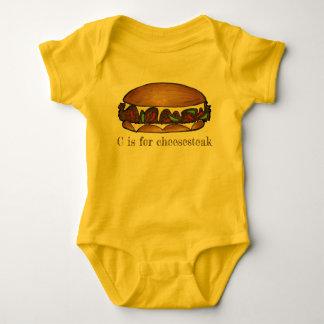 Body Para Bebê C é para o sanduíche de bife do queijo de Philly