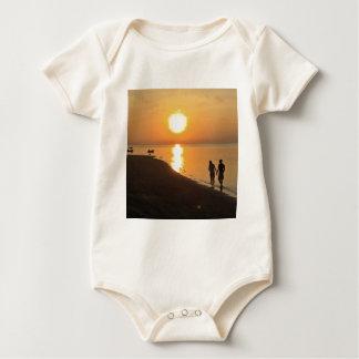 Body Para Bebê Caminhada da manhã na praia
