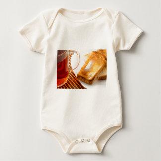 Body Para Bebê Caneca de chá e de brinde quente com manteiga