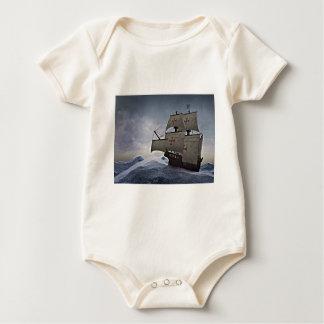 Body Para Bebê Carrack medieval na tempestade