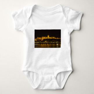 Body Para Bebê Castelo Hungria Budapest de Buda na noite