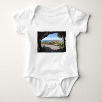 Body Para Bebê Cave a probabilidade no mar e na vila em Madeira