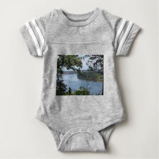 Body Para Bebê Cidade de Dubuque, Iowa no rio Mississípi