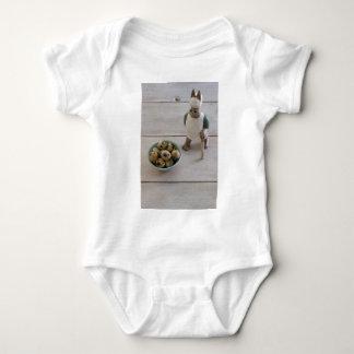 Body Para Bebê Coelho & ovos em uma bacia