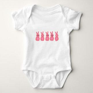 Body Para Bebê Coelhos de felz pascoa (rosa)