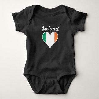 Body Para Bebê Coração da bandeira de Ireland