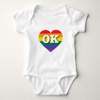 Body Para Bebê Coração do arco-íris do orgulho gay de Oklahoma -