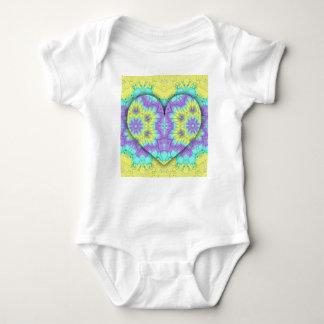 Body Para Bebê Coração festivo vibrante do Pastel 3d dado forma