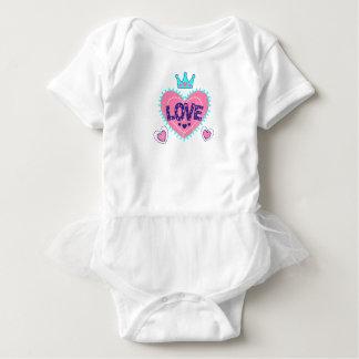 Body Para Bebê Coroa e corações do amor